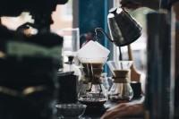 Koffie opschenken zoals vroeger